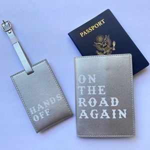 NWT Understated Leather Passport Luggage Tag Set